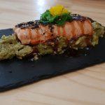 Tataki de salmón, Fusiona Gastrobar Mérida