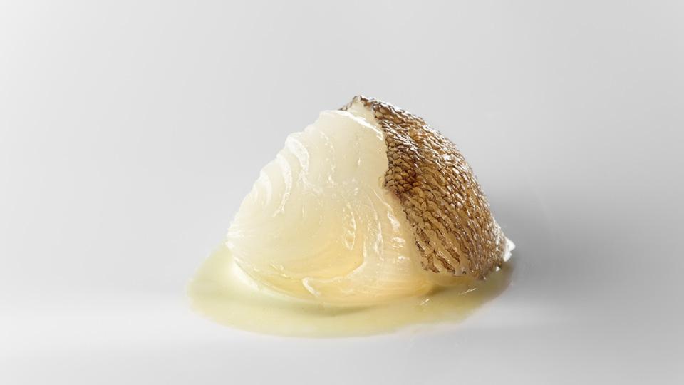 Cebolla blanca, fondo de bacalao y pimiento verde por Josean Alija