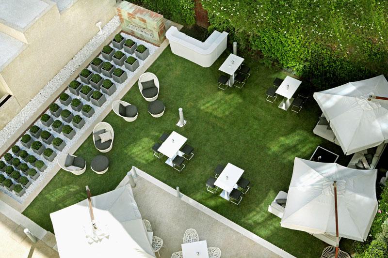 Fora Garden Bar