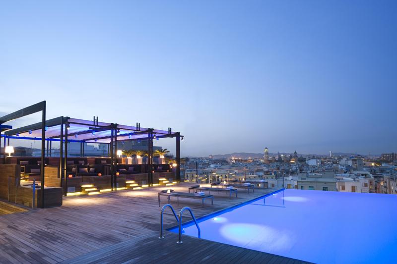 Sky Bar: terraza con vistas a Barcelona