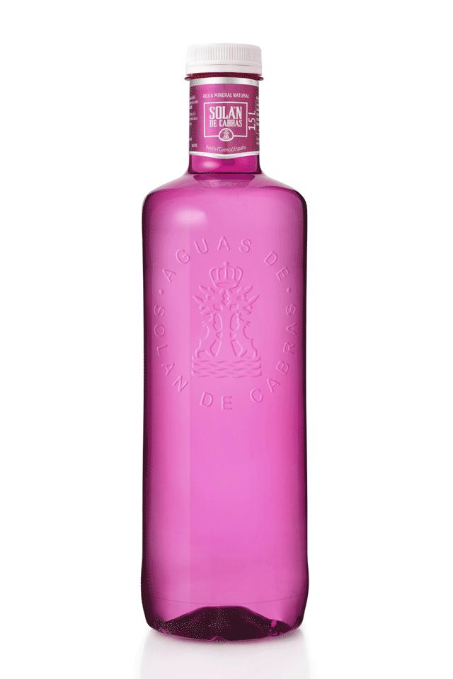 Solán de Cabras presenta botella rosa para apoyar el cáncer de mama